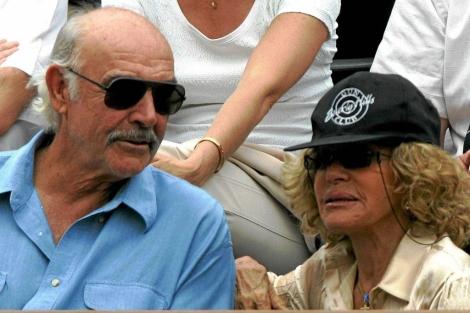 Sean Connery y su esposa en una imagen de archivo.   ELMUNDO.es