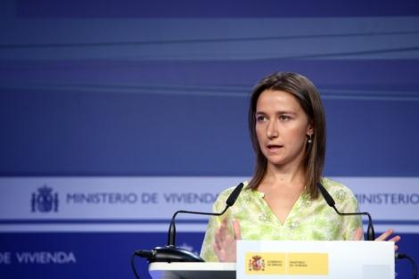 La directora de Arquitectura y Política de Vivienda en rueda de prensa. | ELMUNDO.es