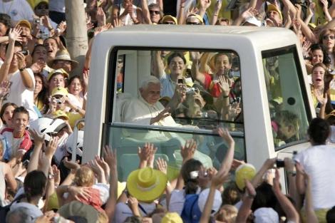 Benedicto XVI durante su visita a Valencia en 2006 | Foto: Alberto di Lolli