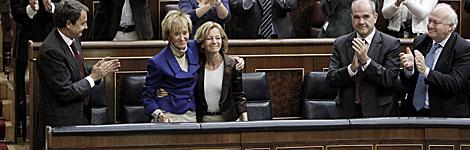 De la Vega, ovacionada en el Congreso por, entre otros, Zapatero. | Alberto Di Lolli