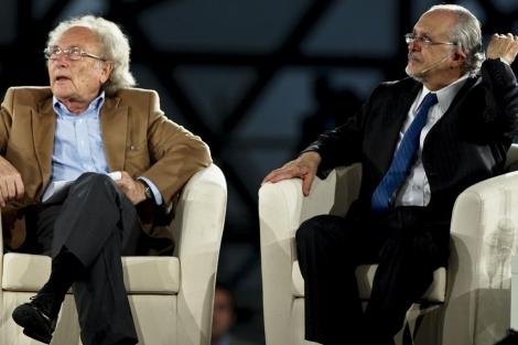 Eduardo Punset junto a Mario Molina.   Efe