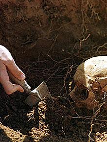 Vea el mapa de las exhumaciones