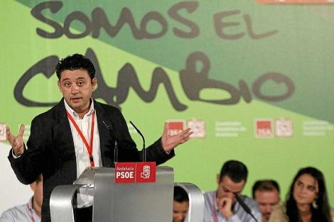 El vicesecretario general del PSOE-A, Rafael Velasco, en un acto del PSOE