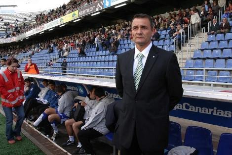 Casuco, durante su etapa como técnico del Tenerife. | ELMUNDO.es