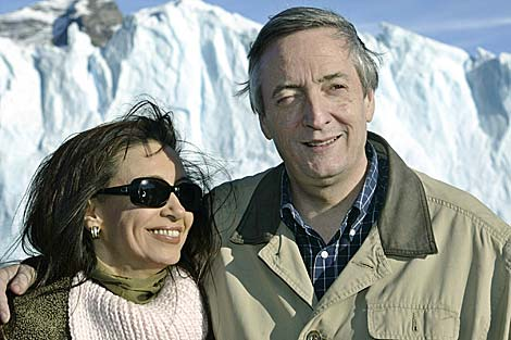 Néstor Kirchner y su mujer, la presidenta argentina Cristina Fernández.   Reuters