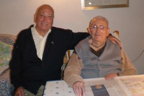 Nicolás Redondo y Marcelino Camacho, en casa de éste, el pasado 30 de septiembre. | CCOO