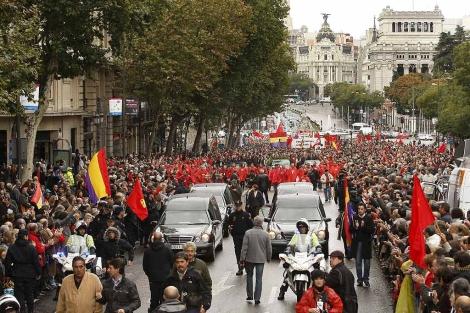 Cientos de personas despiden a Marcelino Camacho.| Efe