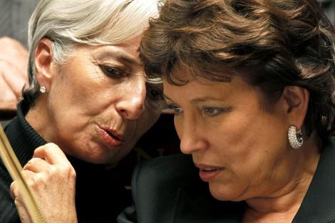 Las ministras de Finanzas (i) y Sanidad, la semana pasada en la Asamblea Nacional. | Reuters