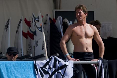 El surfista Andy Irons, durante una competición de 2009. | Efe