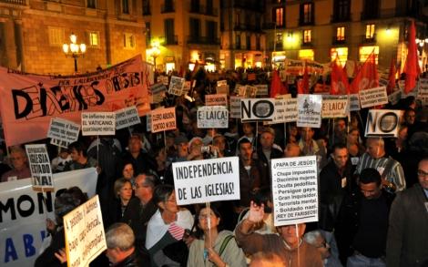 Unas 3.000 personas han protestado contra el viaje papal: 'Yo no te espero' | Santi Cogolludo