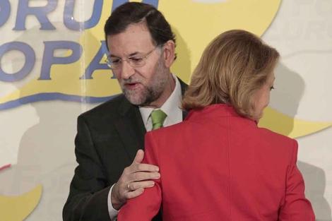 Mariano Rajoy, con Luisa Fernanda Rudi.   Begoña Rivas.