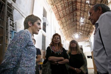 Romero en una visita como directora general de Arquitectura de Vivienda. | J. Cuéllar.