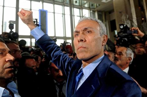 El turco Ali Agca tras ser puesto en libertad. | Efe