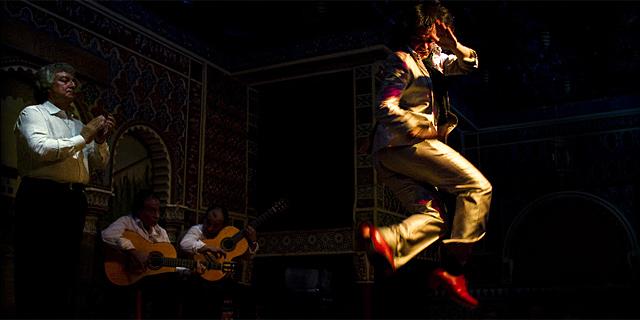 Carlos Velazquez bailando en un tablao de Madrid. | Ap