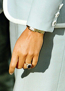 Diana y su anillo. | Reuters