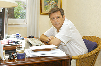 Antonio Gómez Rufo, en su casa.   Paco Toledo