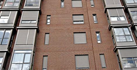 Dos pisos en venta en un bloque de nueva construcción.   Carlos Barajas