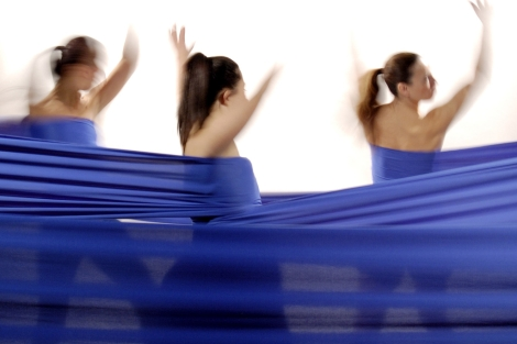 Actuación de integrantes de Psico Ballet. | El Mundo