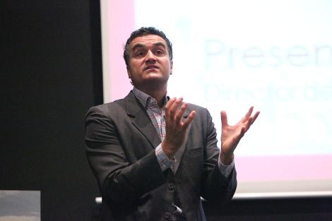 Carl Honoré, durante su ponencia en el congreso celebrado en Elche. | E.Caparrós
