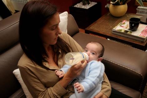 Eva buscó ayuda para cuidar a sus hijos. | Rosa González