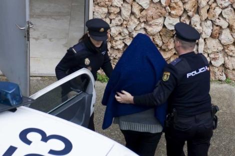 La detenida en el momento de pasar a disposición judicial. | David Arquimbau