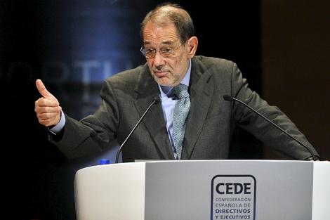 Javier Solana, durante su intervención en el acto de directivos y ejecutivos en Girona. | Efe