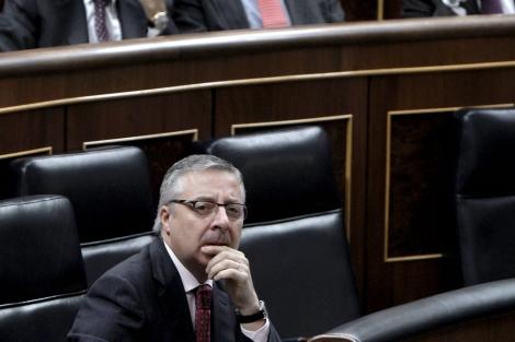 El ministro de Fomento durante la sesión de control en el Congreso. | Efe