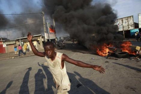 Disturbios en Abiyán tras el anuncio de que el presidente volverá a ser Gbagbo. | Ap