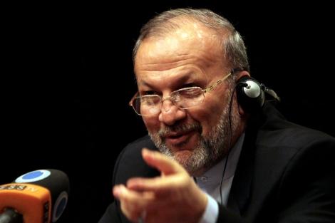 El ministro de Exteriores iraní, Manucher Motaki, en Bahrein. | AP