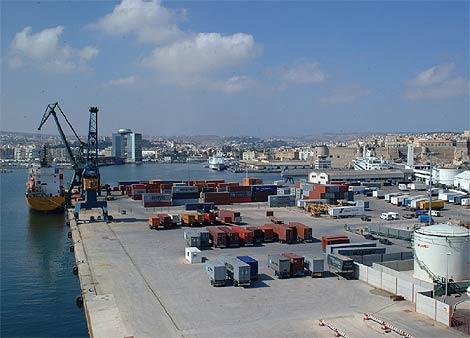 Imagen del puerto de Melilla. (A. Ruiz)