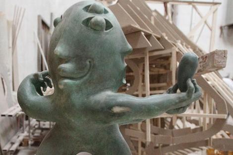 Una de las obras que conformarán el conjunto escultorico del aeropuerto de Castellón. | E. T.