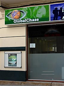 Exterior de la academia en A Coruña.
