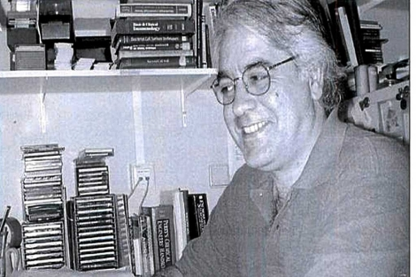 El microbiólogo Javier V. Benedí.