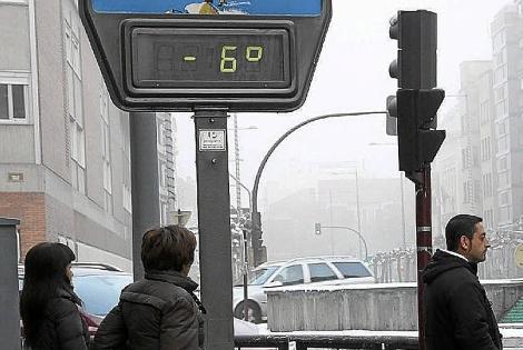 El temporal de frío afecta las calles de Palencia. | M. Brágimo