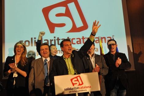 Joan Laporta y los miembros de su partido celebran los resultados en las elecciones. | S.C.
