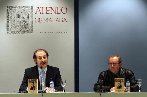 Quintín Calle y Francisco Ruiz Noguera en la presentación del libro. | C. Díaz