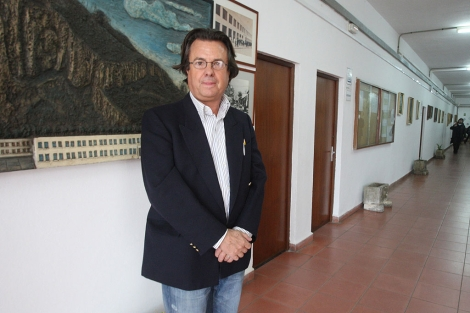 El profesor denunciado, José Reyes, en el instituto donde da clases. | Francisco Ledesma
