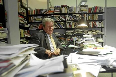 Jorge Herralde, en el despacho de su editorial. | Quique García