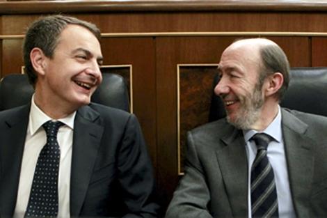 Rubalcaba y Zapatero en el Congreso de los Diputados. | Efe