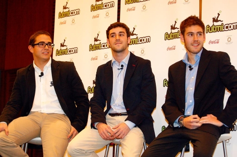 Creadores de Futmi.com, con Pablo Ramos en el centro. | Ical