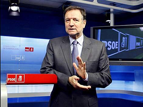 El secretario de Organización del PSOE, Marcelino Iglesias, durante la entrevista.   Efe