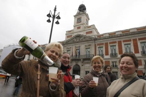 Ensayo de las campanas en la Puerta del Sol (Madrid). | Efe