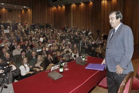 Francisco Álvarez-Cascos, durante un acto celebrado el 15 de diciembre en Oviedo. | Foto: Efe