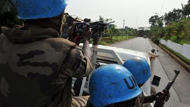 Soldados de la ONU patrullan las calles de Abiján. | Afp