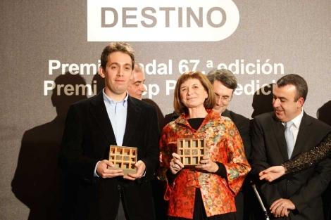 Gimenez Barlett y Cristian Segura, tras ser galardonados anoche | Quique García