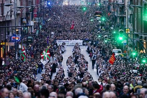 Los manifestantes, a su paso por la calle Autonomía de Bilbao. | Iñaki Andrés