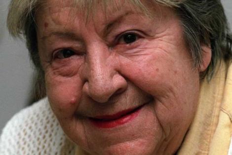 Gloria Fuertes en una foto de archivo de 1995. | Paco Torrente / Efe