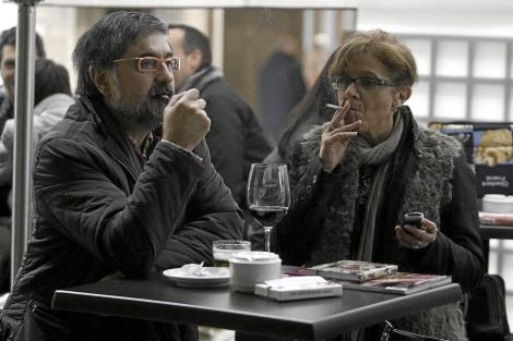Los Ayuntamientos Mueven Ficha Para Que Fumar En La Calle
