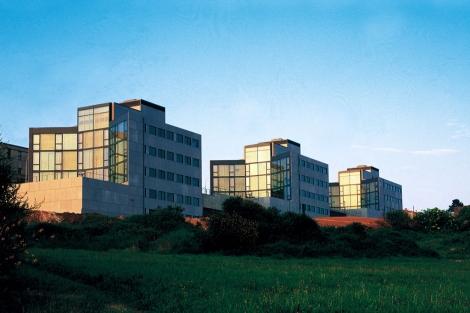 Institutos de Investigación de la Universidad de Santiago de Compostela, del año 1996. | M.Gallego