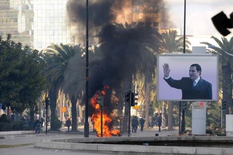 Continúan los disturbios en las calles de la capital. | Afp